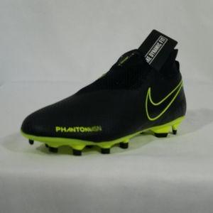 Nike Phantom MG Soccer Cleats Womens Sz 8 Mens 6.5